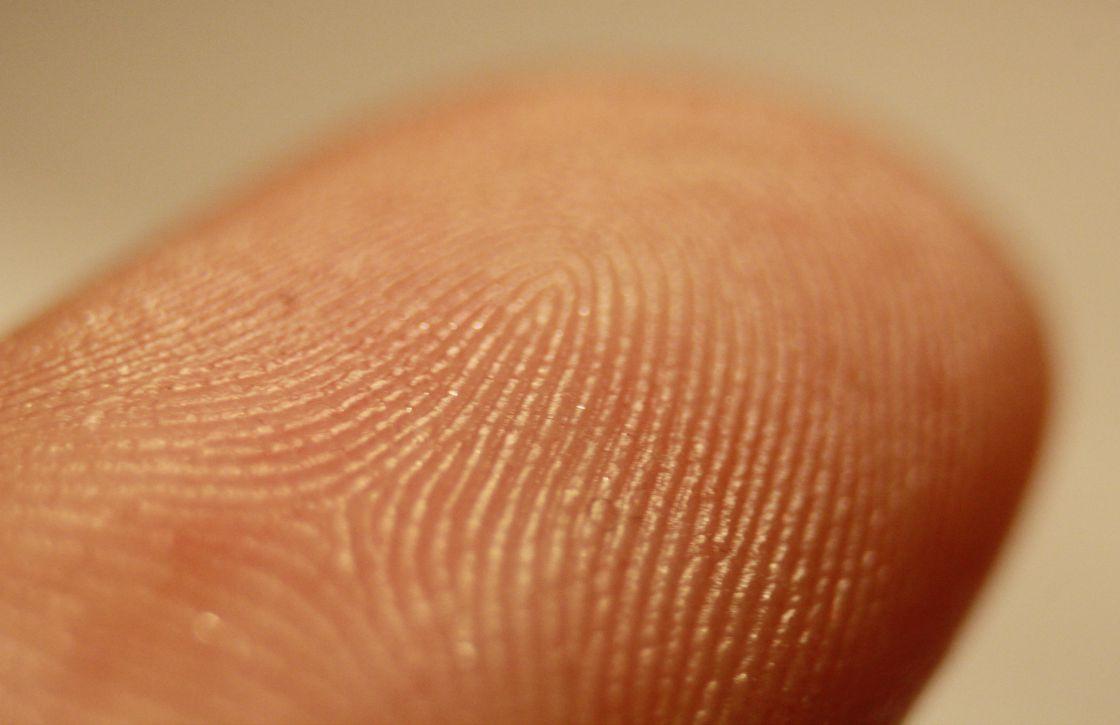 Nouvelles cartes d'identité avec empreintes digitales